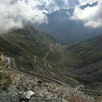 Serpentinen Richtung Vinschgau