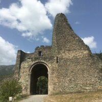 Kloster Akhtala: Reste der Befestigung