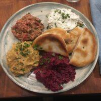 Pkhali (Paprika, Kürbis, Rote Beete, Frischkäse)