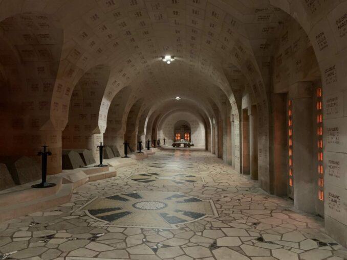 Beinhaus von Douaumont: Innenansicht